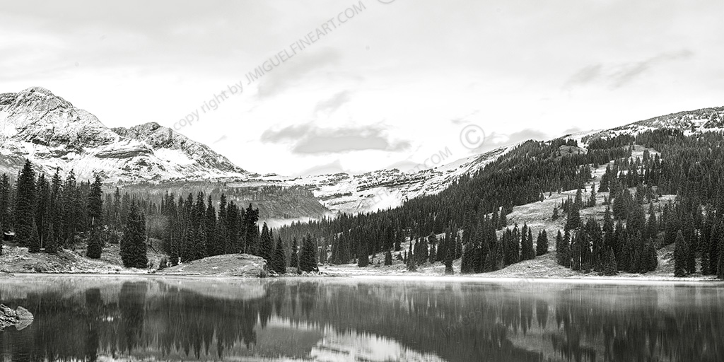 CF058723_mountains_Lake_snow
