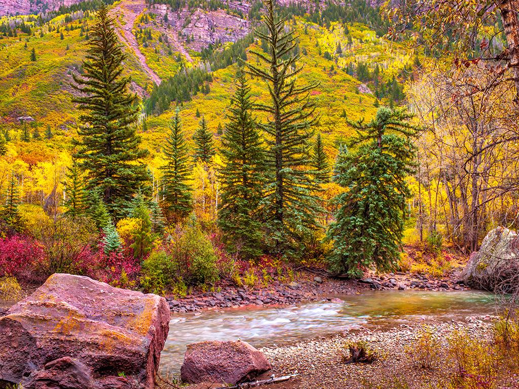 CF058654_creek_river_mountain