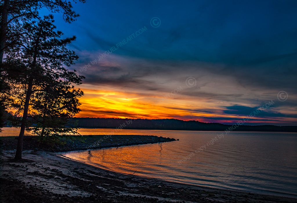 CF059782_Alatoona_river_sunset_lake