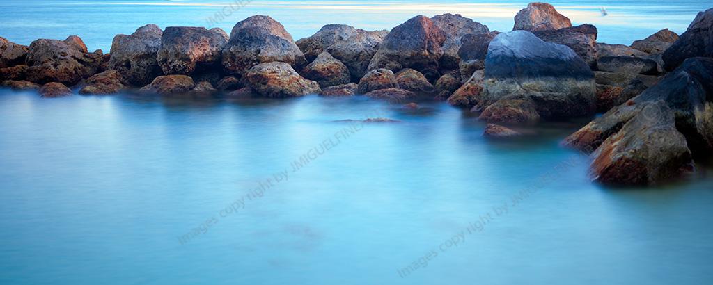 CF060101_seascapes_rocks